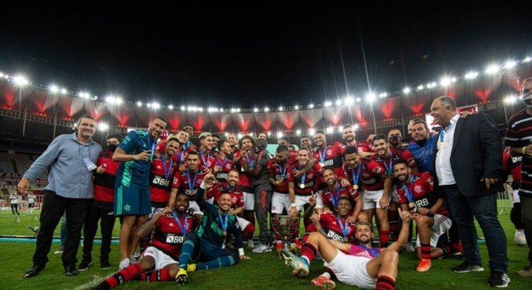 Flamengo se impôs. Ganhou a Taça Guanabara como a diretoria exigia