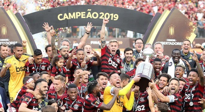 O elenco campeão da Libertadores, do Brasil, do Rio. Oito casos de coronavírus