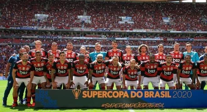 Mané Garrincha lotado de flamenguistas na Supercopa do Brasil