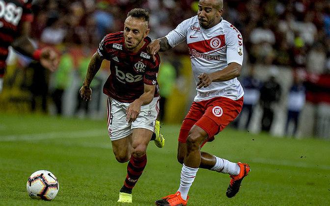 FLAMENGO 2x0 INTERNACIONAL - Em jogo bastante acirrado, o Rubro-Negro contou com o fôlego de Bruno Henrique para sair na frente nas quartas de final da Libertadores.