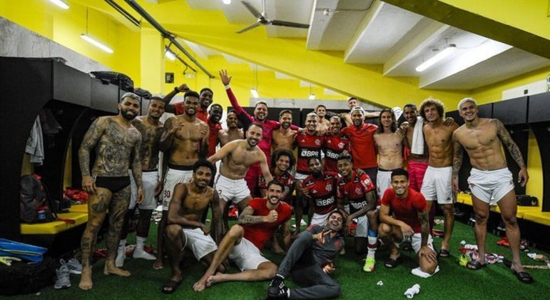 Flamengo comemora a classificação à final da Libertadores. Farra no Equador