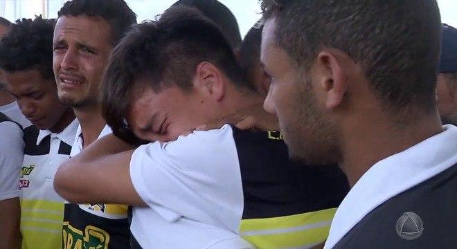 Além dos gols da Libertadores, Landim deveria se recordar dos enterros