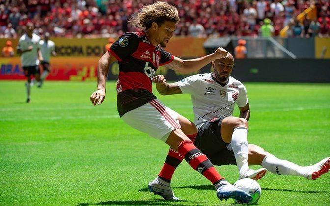 FLAMENGO 3x0 ATHLETICO-PR - Eis que veio o primeiro título de 2020. Com amplo domínio, serenidade, gols de Gabigol, Bruno Henrique e De Arrascaeta, o Rubro-Negro se sagrou campeão da Supercopa do Brasil.