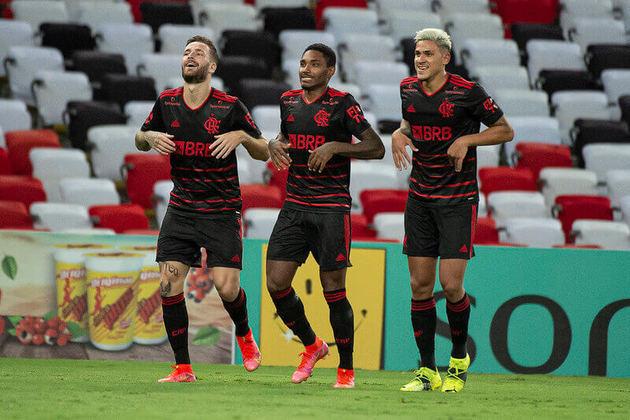 Flamengo – 5 jogadores: Diego Alves (35 anos), Filipe Luís (35 anos), Maurício Isla (32 anos), Éverton Ribeiro (31 anos) e Diego (36 anos)