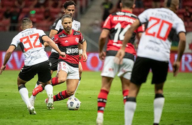 Flamengo 5x1 Olímpia (PAR) - Volta das quartas de final da Libertadores, no Mané Garrincha: nova goleada, com mais dois gols de Gabi, um de Bruno Henrique, um de Arão e um contra, e vaga na semifinal