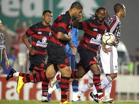 Flamengo 5x3 Fluminense - 31/1/2010 - Gols de Adriano (3), Vágner Love e Kleberson