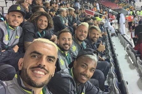 Delegação chegou ao Qatar e seguiu para jogo