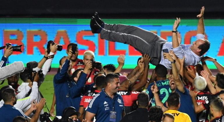 Campeão em 2019 e 2020, com Jorge Jesus e Ceni, Flamengo iguala feito da geração de Zico