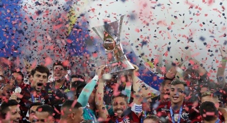 Em 2020, futebol brasileiro teve o pior faturamento com patrocínio dos últimos 12 anos