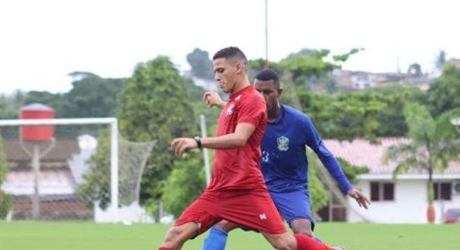 Flamengo citou a indefinição no calendário como um dos motivos para promover o retorno do prata da casa alvirrubro ao clube pernambucano até o fim de 2020
