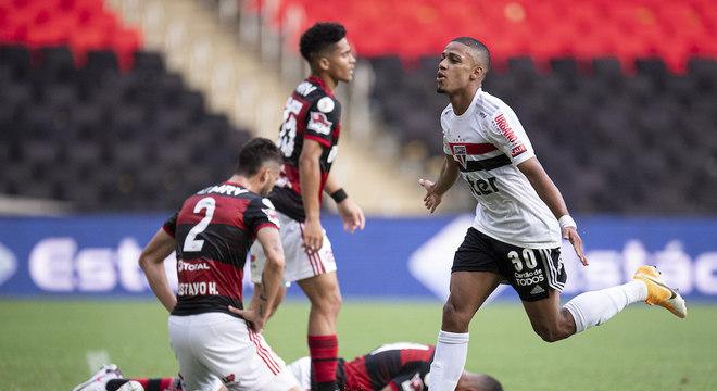 A goleada do São Paulo alertou a cúpula do Flamengo. Descanso descabido do rival