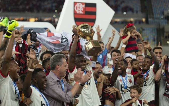 Campeões invictos - O Flamengo é o clube com mais títulos invictos do Estadual: são sete conquistas sem perder nenhuma partida