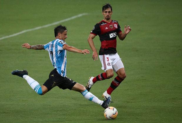Flamengo foi eliminado da Libertadores nas oitavas de final, depois de novo empate em 1 a 1 com o Racing, nesta quarta. A queda foi traumática, em pleno Maracanã, e seu deu nos pênaltis. A zaga foi vilã, Rogério Ceni escolheu mal e Arão foi do céu ao inferno.