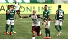 Em jogo elétrico, Flamengo domina e ganha de virada do Palmeiras