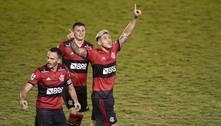 Flamengo reage, empata contra Portuguesa e volta à liderança