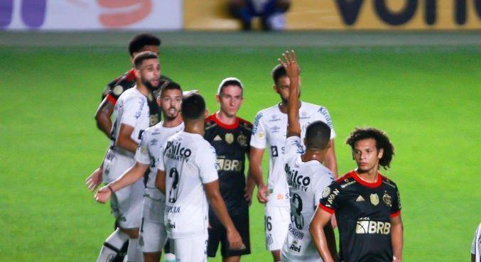 Santos e Flamengo jogaram pela 18ª rodada do Brasileirão