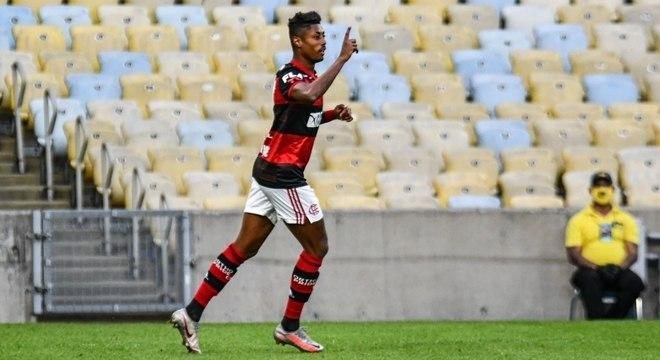 Bruno Henrique marcou os dois gols do Fla na vitória sobre o Volta Redonda