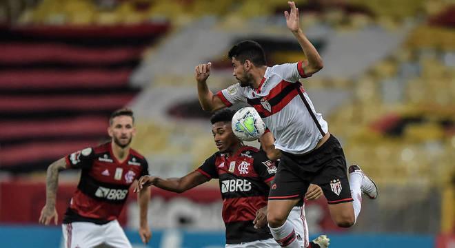 Flamengo deixou escapar vitória contra Atlético-GO no Maracanã