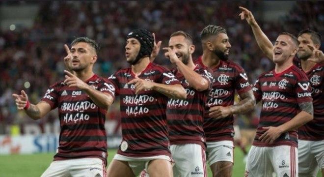 Flamengo não teve o menor trabalho para vencer o Avaí no Maracanã