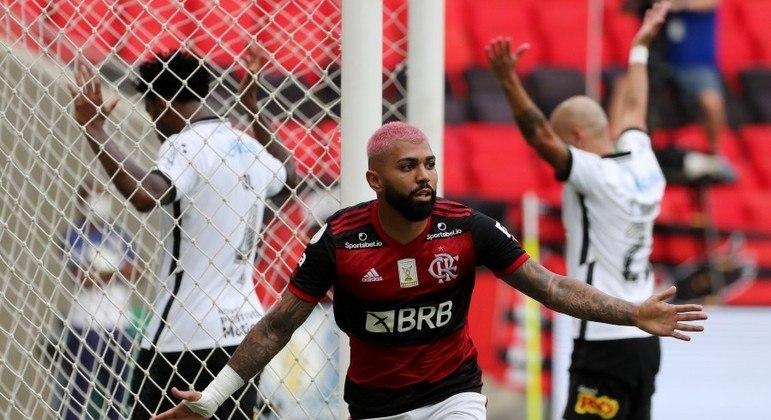 Gabriel comemora o segundo gol do Flamengo no Maracanã