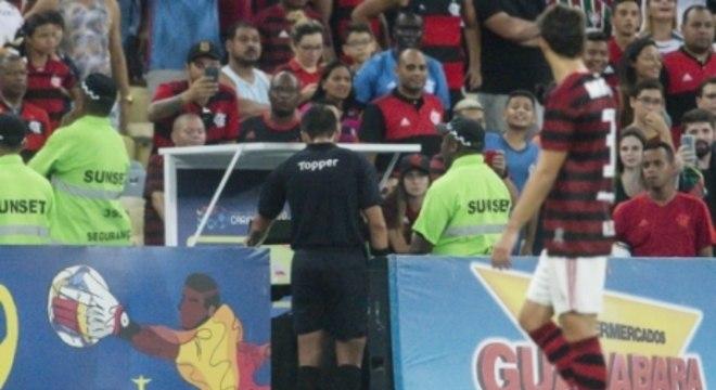 VAR não acabou com polêmicas e reclamações no futebol brasileiro