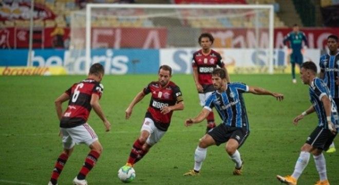 Flamengo x Gremio - Everton Ribeiro e Renê