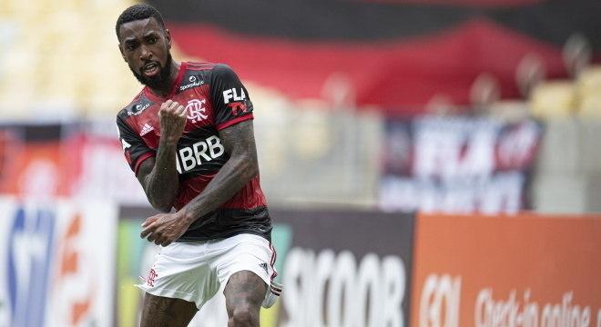 Gerson fez o primeiro gol do Flamengo contra o Santos, no Maracanã
