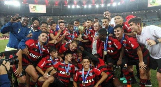 Sub-20 rubro negro sai da Copinha para substituir profissional do Estadual do Rio