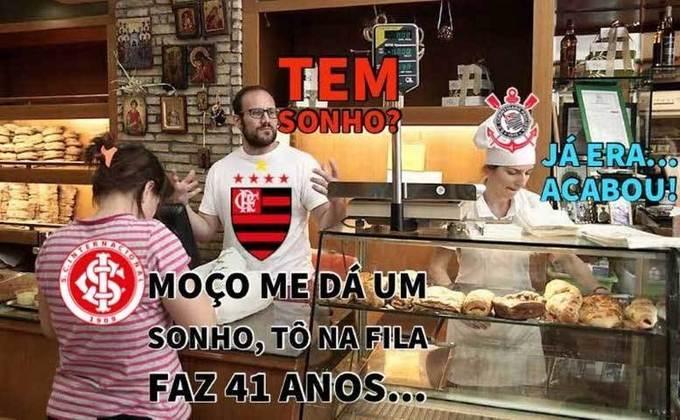 Flarinthians? Memes brincam com ajuda do Corinthians no título do Brasileirão do Flamengo