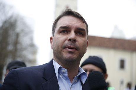 Ex-assessor de Flavio Bolsonaro é citado em relatório