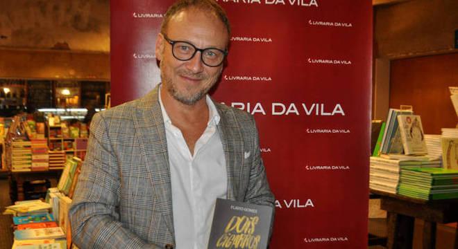 Flavio Gomes e o romance de estreia