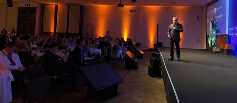 Empresário falou a uma plateia de cerca de 300 empresários em Foz do Iguaçu