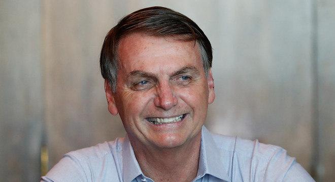 MEC endossa desejo de Bolsonaro de 'suavizar' livros didáticos