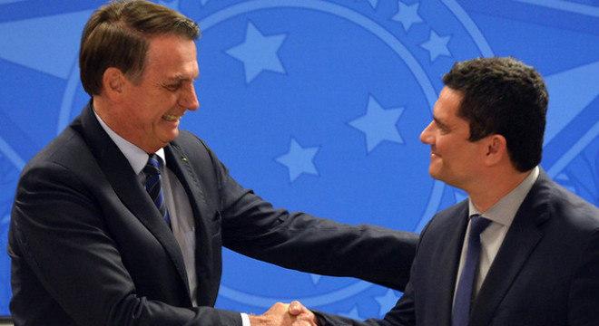 Após semanas de desgastes, Bolsonaro e Moro fazem as pazes