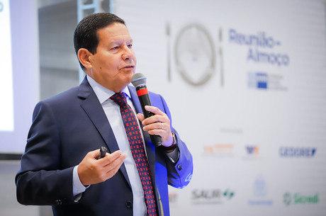 Mourão minimizou fala do deputado Eduardo
