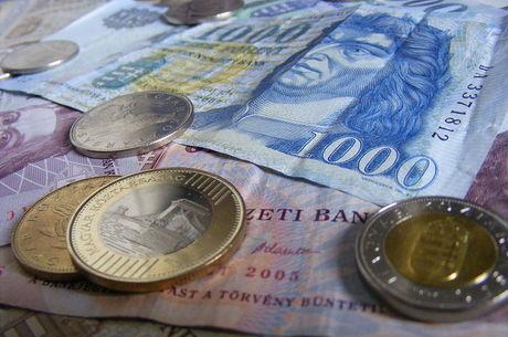 Cédulas e moedas de florim húngaro serão desinfetadas
