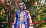 Já Logan tem somente duas lutas na 'carreira', uma como amador e outra como profissional, não ganhou nenhuma, foi um empate e uma derrota. Ele é peso-cruzador, até 86,183kg