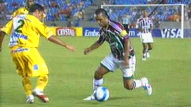 Fluminense 0 x 1 Brasiliense - Copa do Brasil- Em partida válida pelas quartas de final em 2002, o Fluminense pegou o Brasiliense, que estava na Série C e era uma sensação no campeonato. O primeiro jogo, no Distrito Federal, terminou 1 a 1. Já o segundo, no Maracanã, os visitantes venceram por 1 a 0 e garantiram a vaga. O time de Brasília ficaria, mais tarde, com o vice-campeonato da competição.