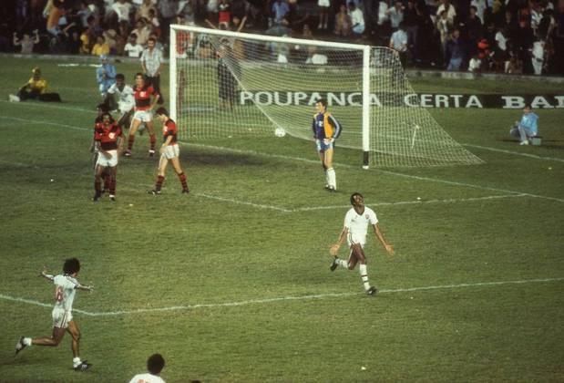 Fluminense 1 x 0 Flamengo - 11 de dezembro de 1983: Um gol de Assis aos 45 minutos do segundo tempo deu o título do Campeonato Carioca daquele ano ao Fluminense e iniciou uma sequência de três Estaduais consecutivos.