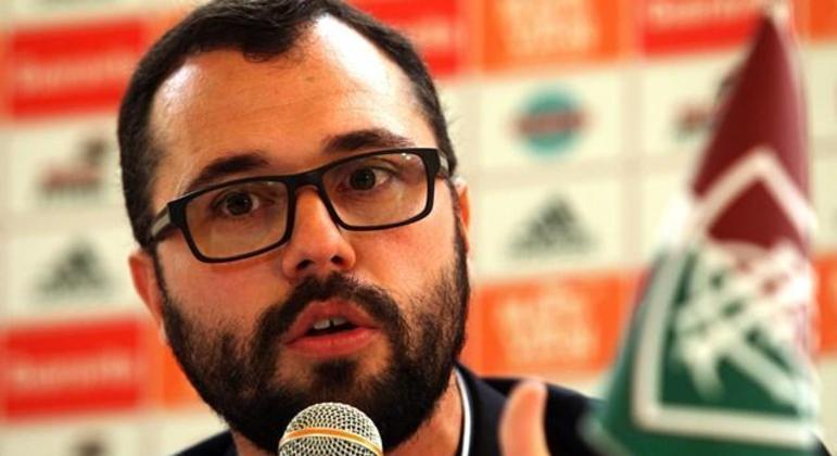 Presidente do Fluminense, Mario Bittencourt, tem postura contrária à volta do público
