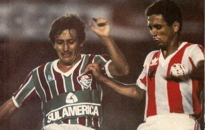 Fluminense 2 x 1 Bangu - 18 de dezembro de 1985: O tricampeonato carioca veio contra o Bangu, com gol marcado por Paulinho aos 31 minutos do segundo tempo.