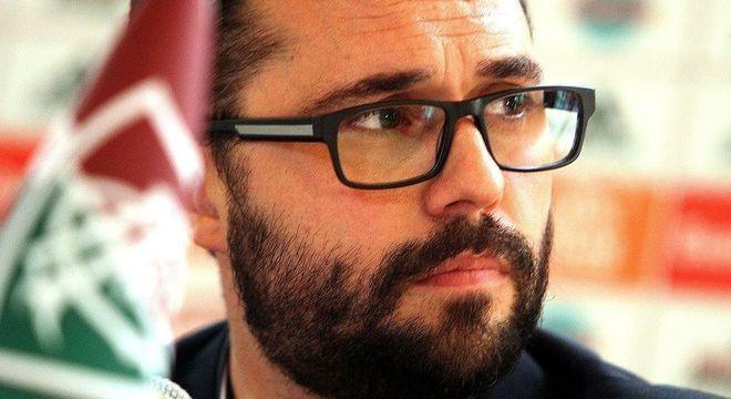 Decreto de Crivella pode resolver o impasse de Fluminense e Botafogo