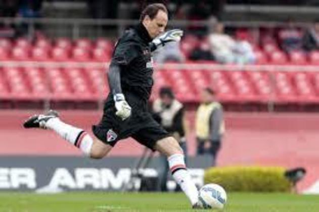 Fluminense - 4 gols: Ceni marcou quatro gols na equipe carioca, sendo dois da falta e dois em cobranças de pênalti.
