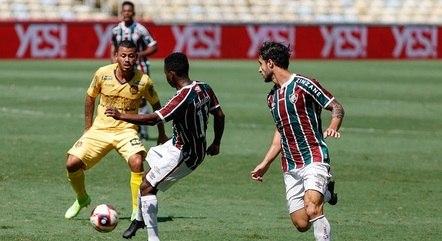 Fluminense encontrou pouco espaço no início