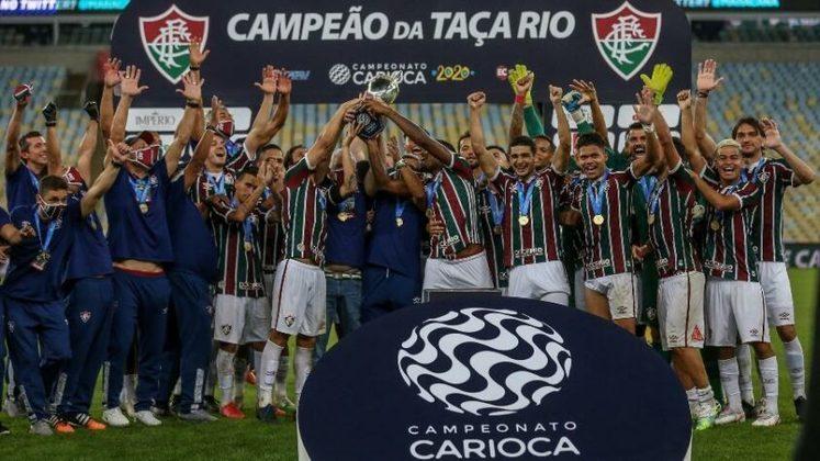 O último título conquistado pelo Fluminense sobre o Flamengo foi em 2020, na Taça Rio. Foram dias recheados de polêmicas e atritos fora de campo, mas com a bola rolando, o Tricolor desbancou o favoritismo dos rivais, empatou em 1 a 1 no tempo normal e venceu nos pênaltis, com grande atuação do goleiro Muriel