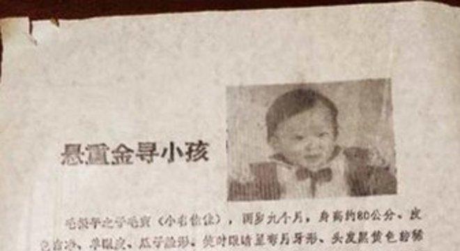 A mãe imprimiu 100 folhetos com a foto do filho
