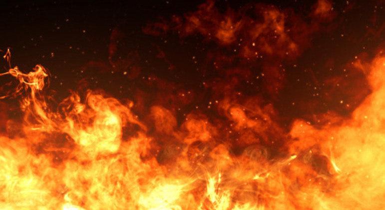 Autoridades detectaram três grandes incêndios e uma dúzia de incêndios menores