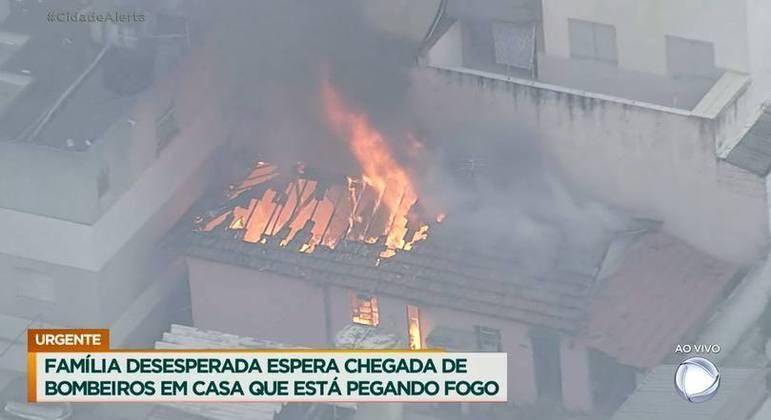 Fogo consome imóvel no ABC