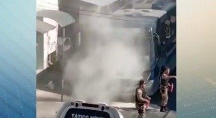 Ônibus foi incendiado em protesto