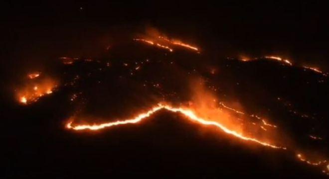 Fogo já atinge uma extensão área de mata da cidade de São João da Boa Vista